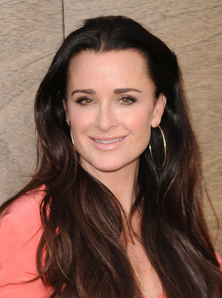 kyle richards new house. Kyle Richards#39; mega-mane.