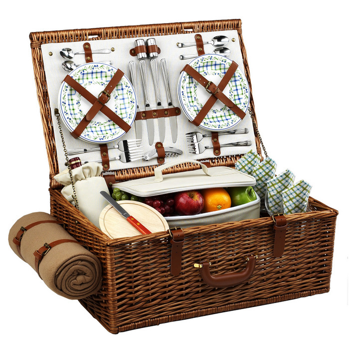 FANCY PICNIC BASKET