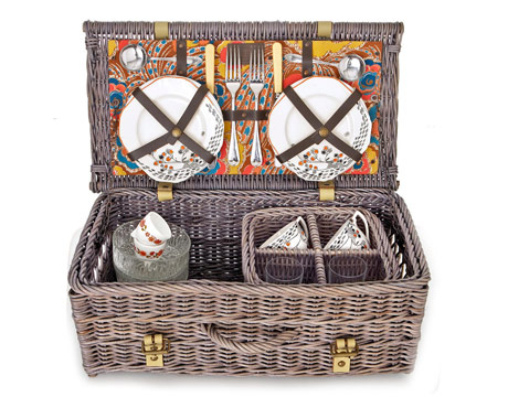 TEA PARTY PICNIC BASKET