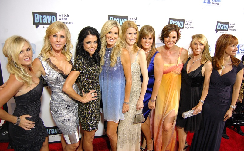 SO MANY HOUSEWIVES