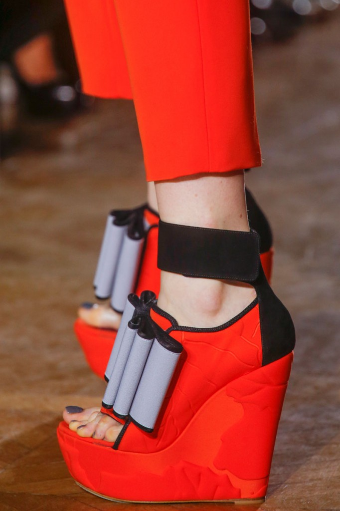 JOHN GALLIANO SPRING RTW 2014 SHOE DETAIL