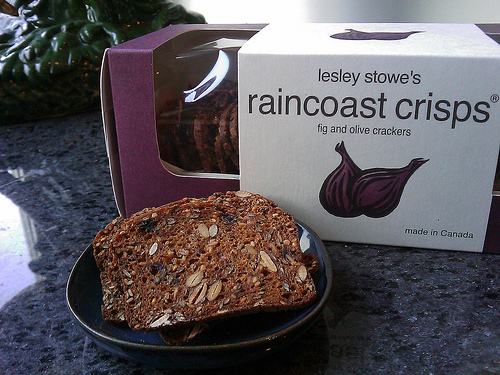 LESLEY STOWE RAINCOAST CRISPS FIG AND OLIVE