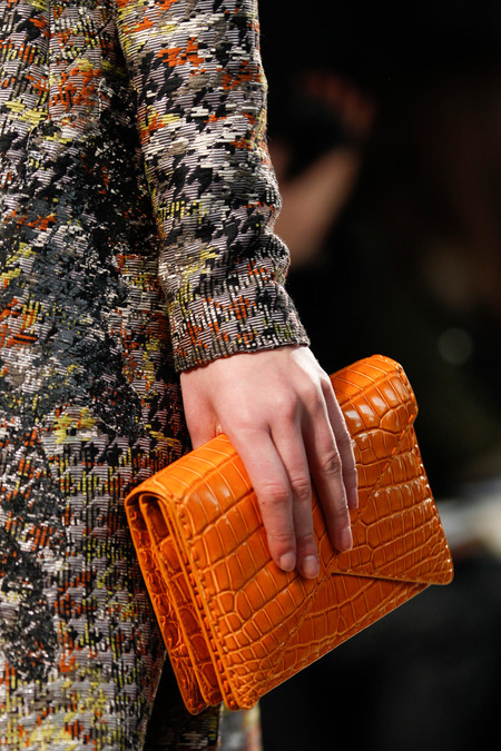 BOTTEGA VENETA FALL 2014 RTW CLUTCH