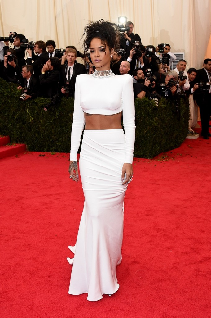 RIHANNA MET BALL STELLA MCCARTNEY