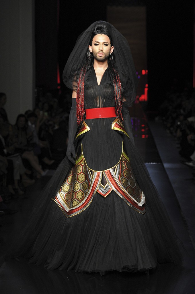 JEAN PAUL GAULTIER FALL 2014 COUTURE 12