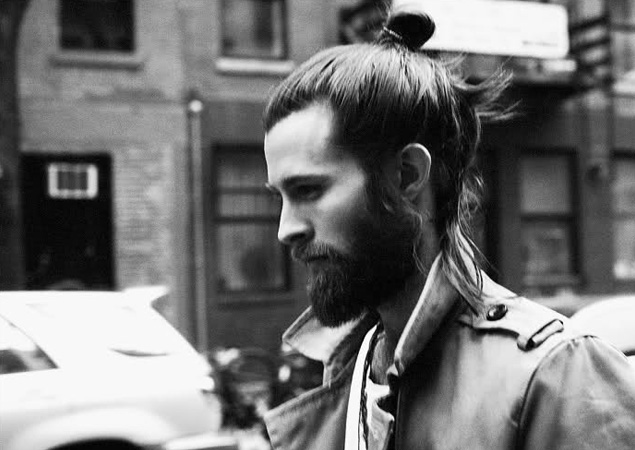 MAN TOP KNOT
