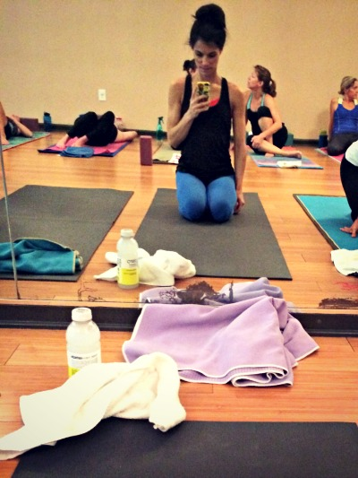 DICK WITH CELL PHONE IN YOGA CLASS